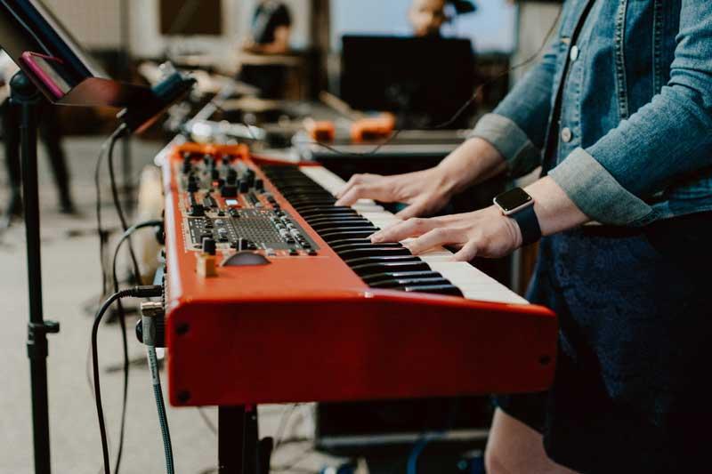 pianos digitales de escenario