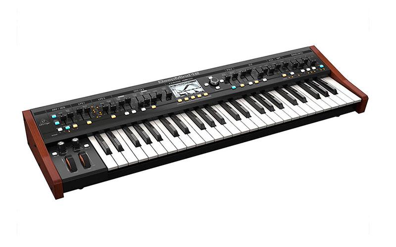 sintetizador behringer deepmind